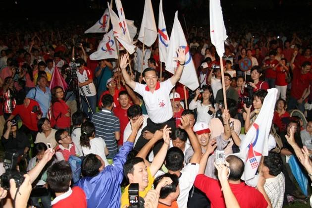 penang-rally-guan-eng-lifted.jpg